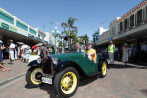 Classic Car taking part in Art Deco Weekend Napier