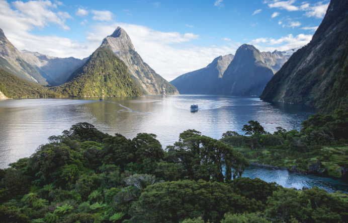 Milford Sound boat cruise