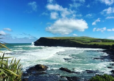 Curio Bay The Catlins, rocks and water and cliffs
