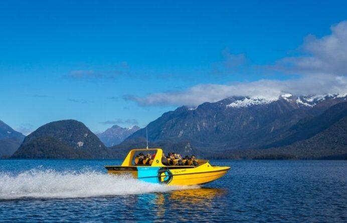 Fiordland Jet on Lake Manapouri