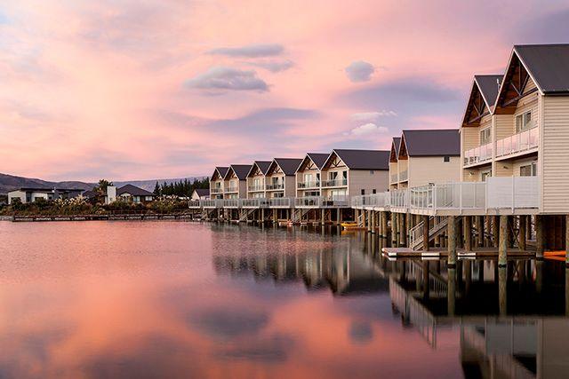 Lake Resort, Cromwell - Villas over water at sunset
